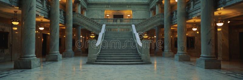 Colonne di marmo e dello scala, condizione Campidoglio dell'Utah fotografie stock libere da diritti