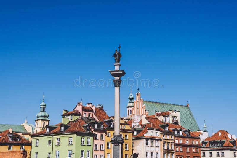 Download Colonne Du Vieux ` S De Ville Et De Sigismund De Varsovie Photo stock - Image du ciel, vieux: 87708056