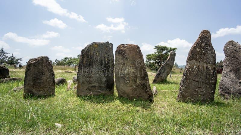 Colonne megalitiche della pietra di Tiya, un sito del patrimonio mondiale dell'Unesco vicino, l'Etiopia immagini stock libere da diritti