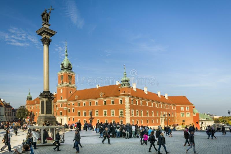 Colonne royale de château et de Roi Waza III sur la place de château à Varsovie photos stock