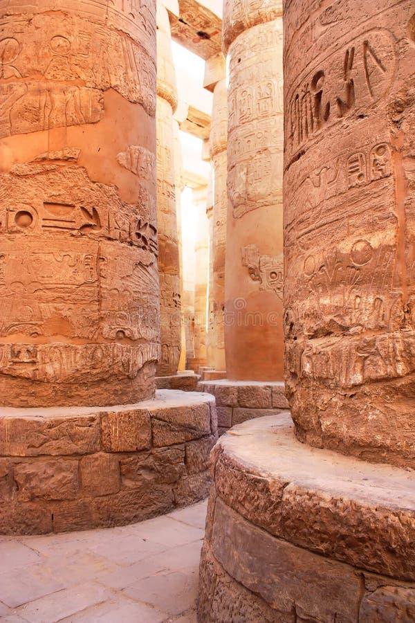 Colonne in tempiale di Karnak, Luxor, Egitto fotografia stock