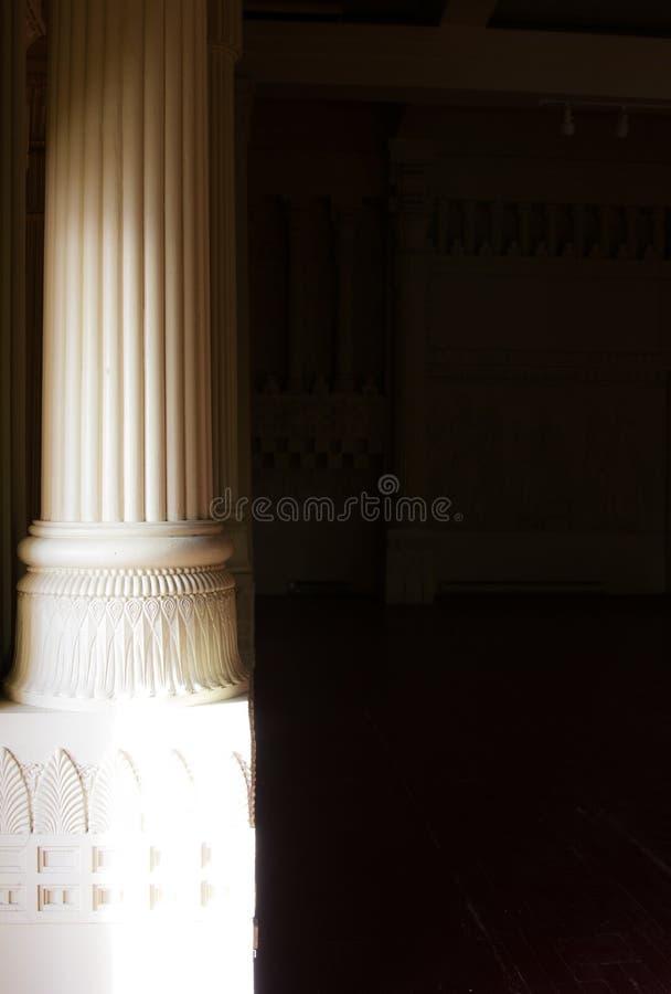Colonnes égyptiennes de style de franc-maçon maçonnique de temple photographie stock libre de droits
