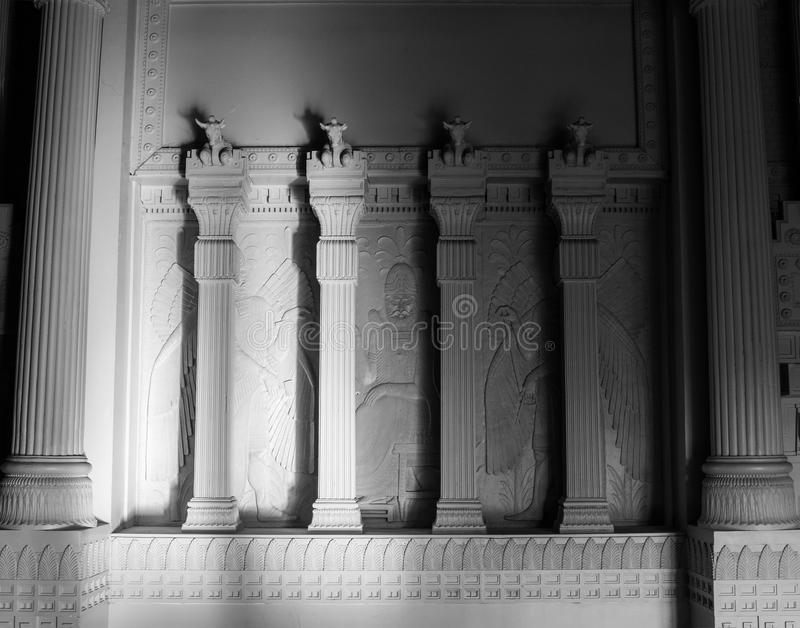 Colonnes égyptiennes de style de franc-maçon maçonnique de temple photos libres de droits
