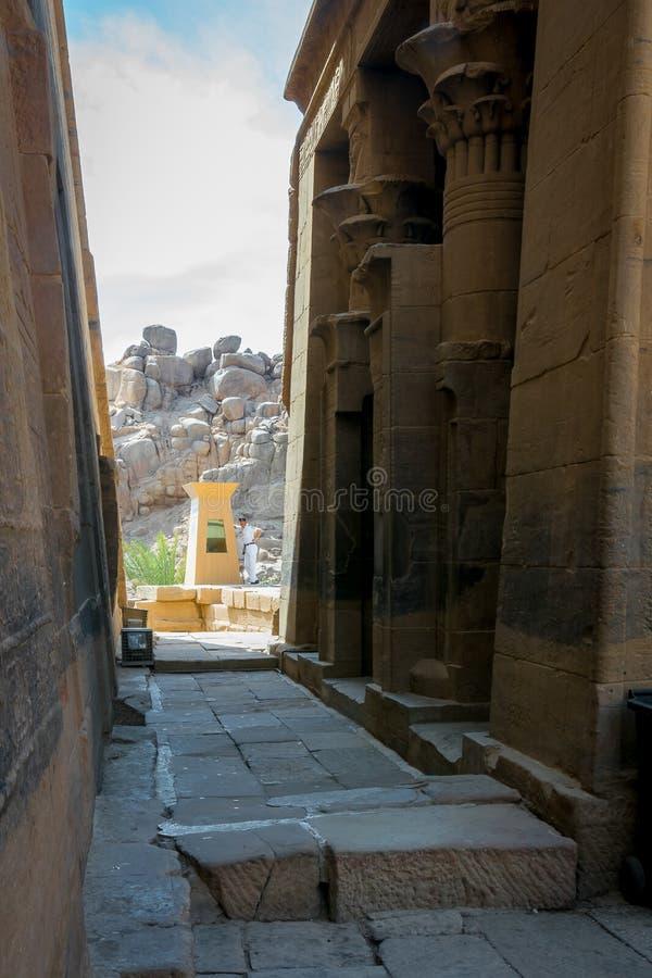 Colonnes dans le temple de Philae, temple d'ISIS images stock