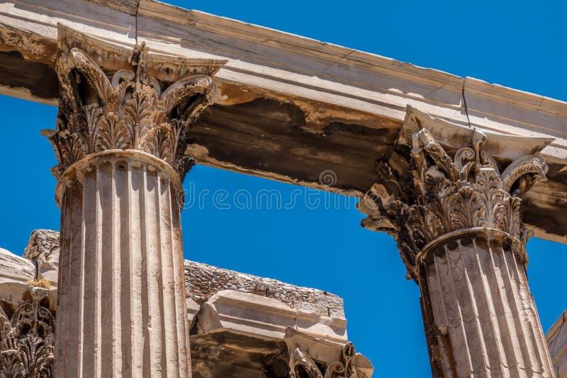 Colonnes dans le temple de Zeus, Athènes, Grèce images stock