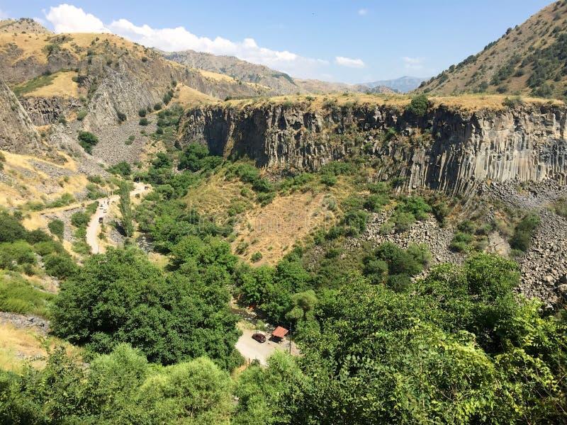 Colonnes de basalte, gorge de Garni de l'Arménie le jour ensoleillé d'été photographie stock