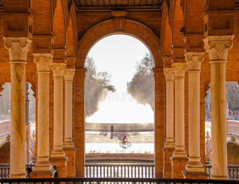 Colonnes de place de l'Espagne, Séville image libre de droits
