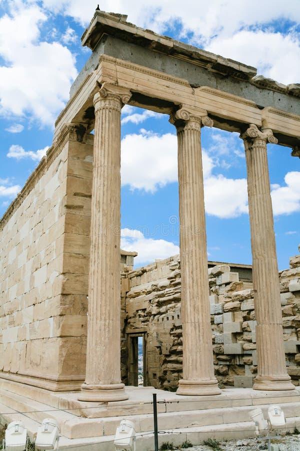 colonnes de Propylaea athénien d'Acropole images libres de droits