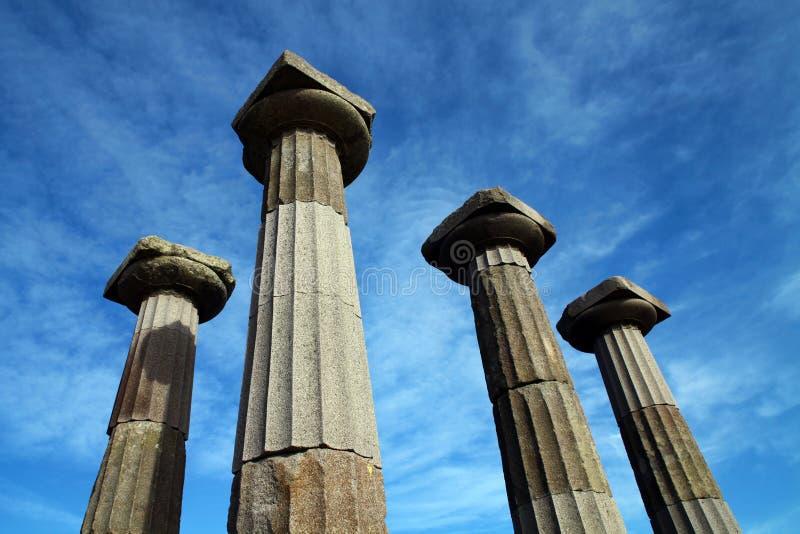 Colonnes de temple d'Athéna photos stock