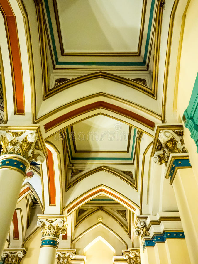 Colonnes et plafond dans le bâtiment historique, Richmond images libres de droits