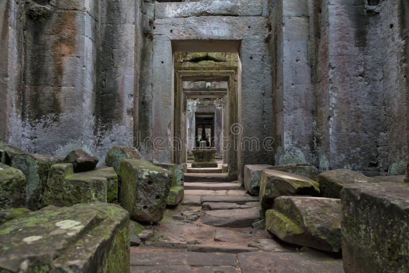 Colonnes et voûtes, Angkor Vat, Cambodge images libres de droits
