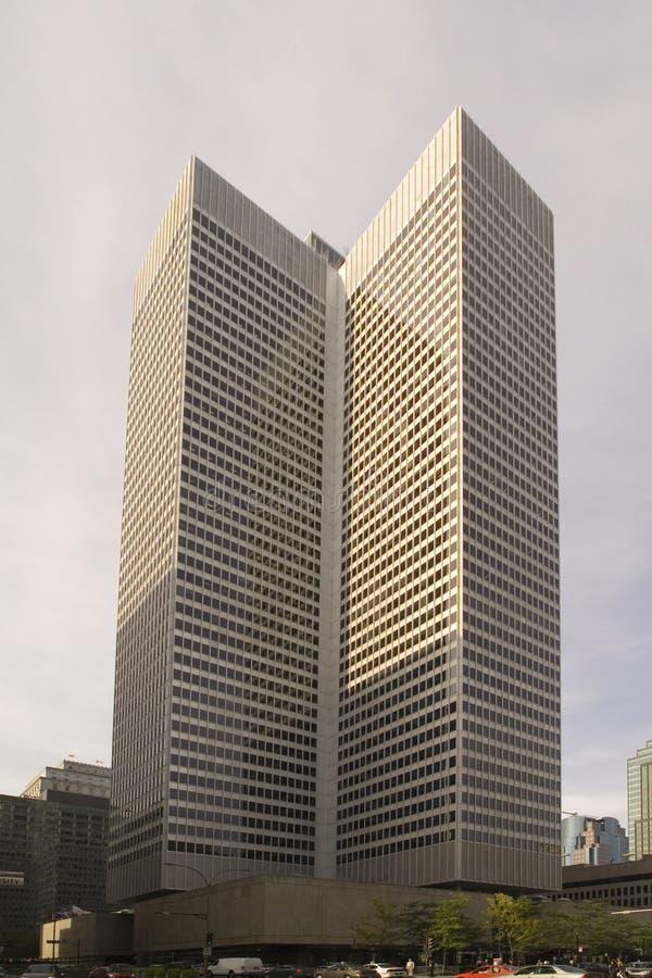 Coloque detalhes arquitetónicos de Ville-Marie de skyscrape moderno imagem de stock