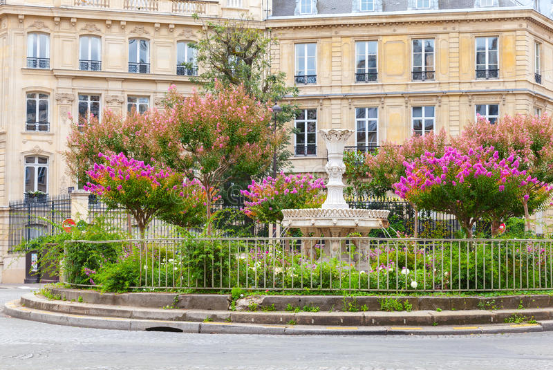 Coloque a Francois 1er en París, Francia foto de archivo