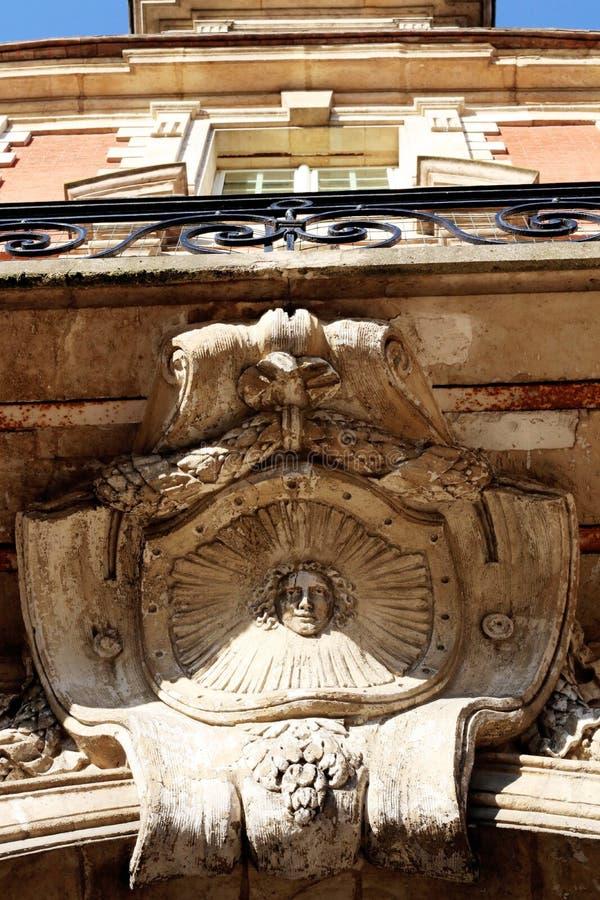 Coloque o detalhe arquitetónico de la Reine do pavillon do DES Vosges Paris foto de stock