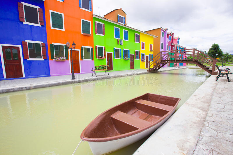 Download Coloré photo stock. Image du populaire, trottoir, méditerranéen - 45354678