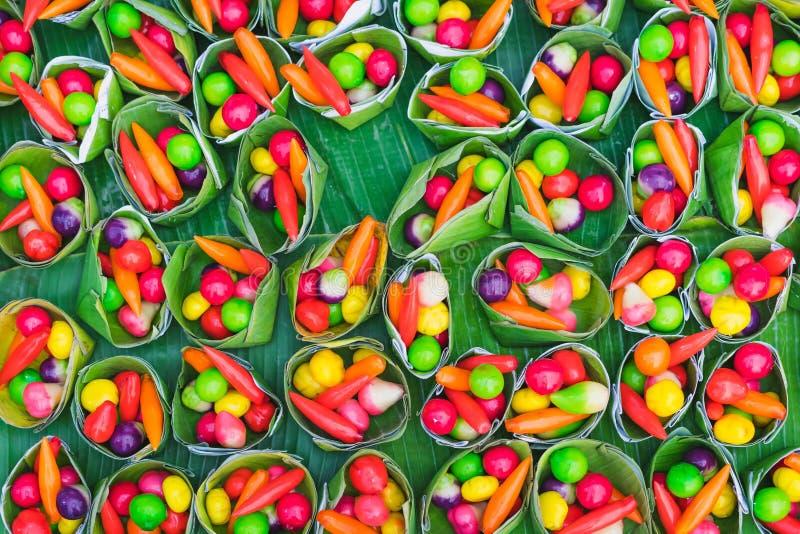 Coloré des fruits d'imitation supprimables Regard Choup, un TR de Kanom photos stock
