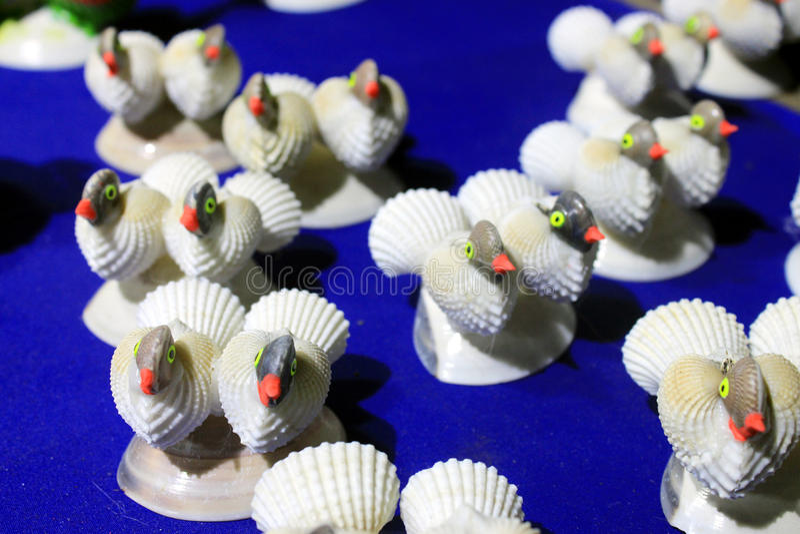 Coloré handcraft fait par la coquille de conque photo stock
