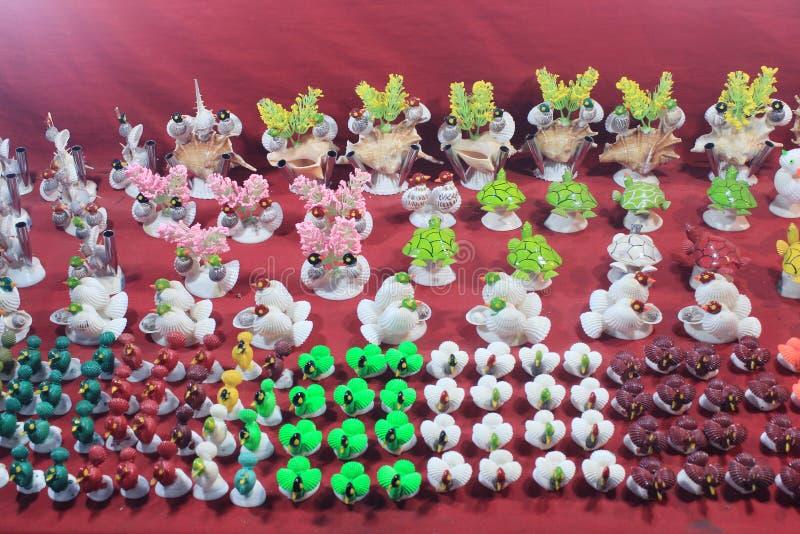 Coloré handcraft fait par la coquille de conque photos libres de droits