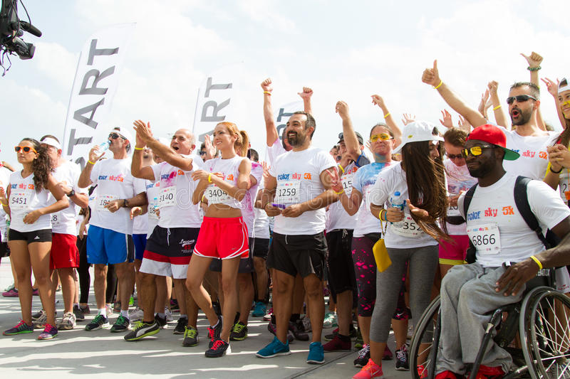 Color Sky 5K. ISTANBUL, TURKEY - SEPTEMBER 14, 2014: People in start line of Istanbul Color Sky 5K stock photography