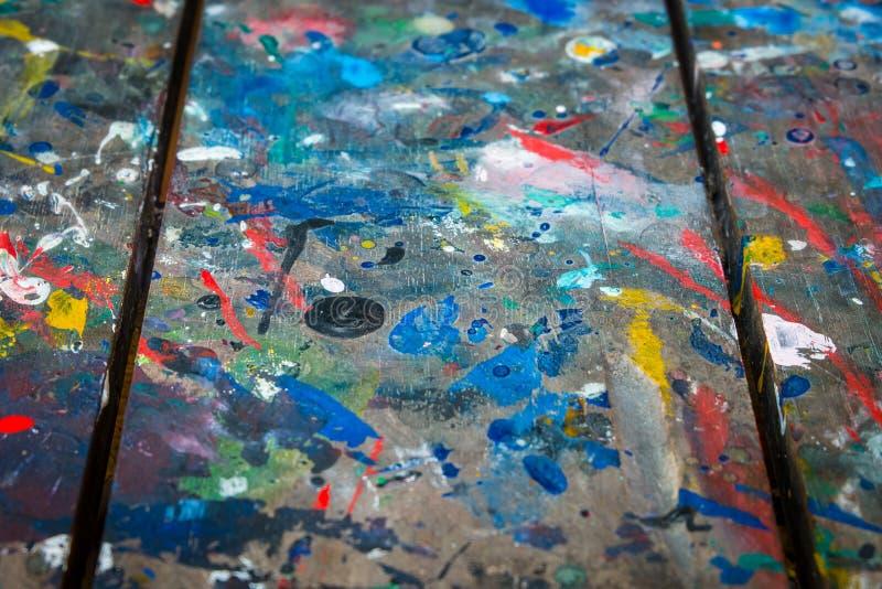 Color sucio en la tabla de madera Extracto para el fondo foto de archivo