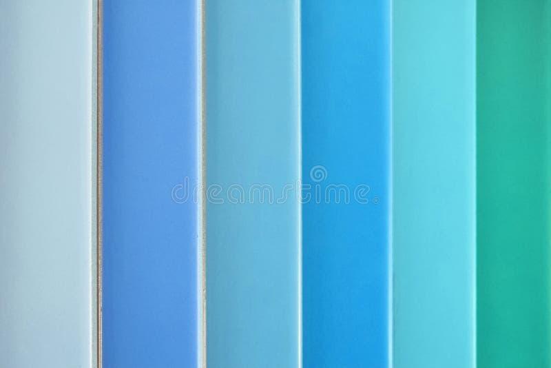 Colora amostras, telhas coloridas diferentes, azul, turquesa, verde imagens de stock