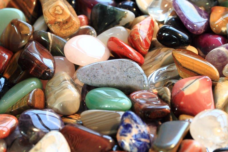 colora a coleção de mineral das gemas fotos de stock