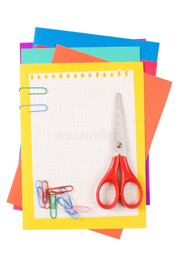 Colora o papel com um grampo de papel imagem de stock royalty free