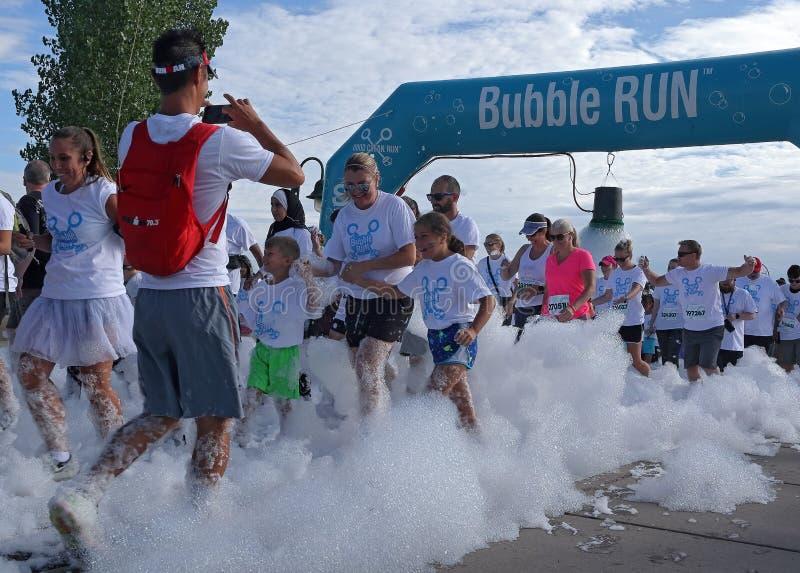 colorado denver Бег пузыря в парке спорт Lowry сборщик денег особенного события стоковая фотография rf