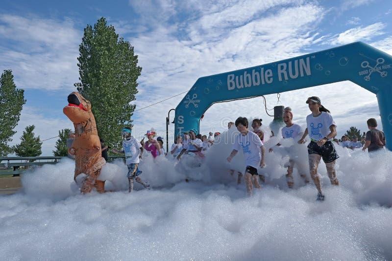 colorado denver Бег пузыря в парке спорт Lowry сборщик денег особенного события стоковое фото