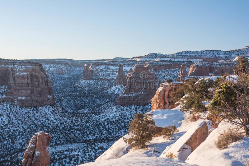 Colorado-Nationaldenkmal-Landschaft im Winter stockbild
