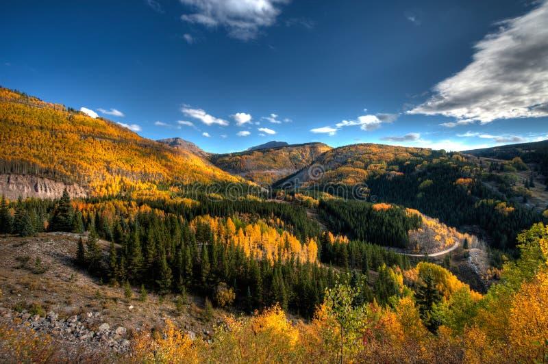 Colorado nedgångfärger nära Silverton Co längs horisontdrevet arkivfoton
