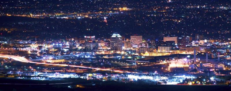 Colorado Springs bij Nacht royalty-vrije stock afbeelding