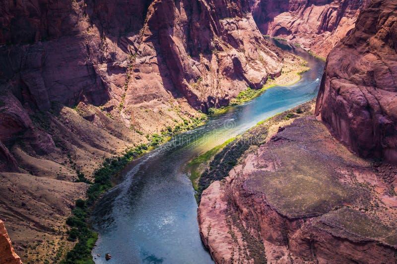 Coloradofloden och grandet Canyon Arizona tillståndsdragningar, Förenta staterna royaltyfri foto