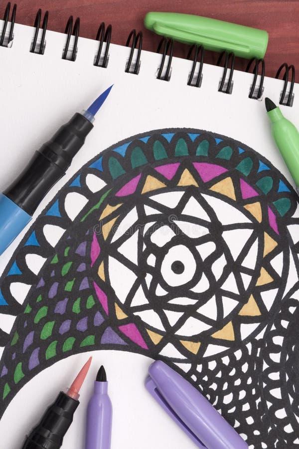 Coloration d'un mandala images libres de droits