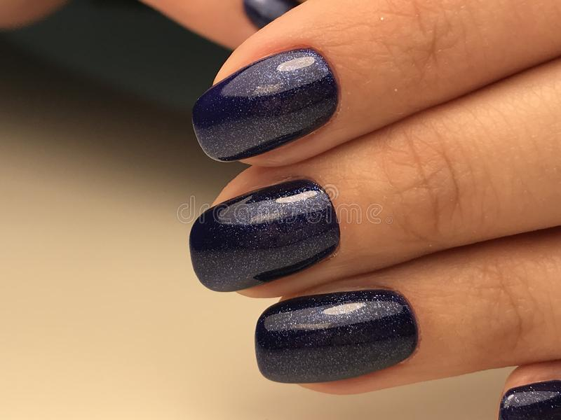 Colore blu scuro cosmico del chiodo fotografie stock