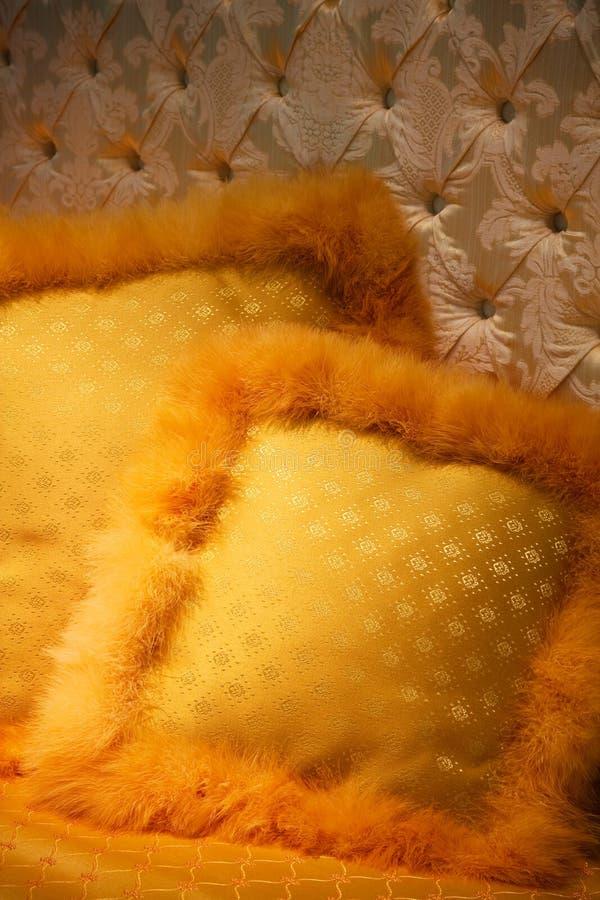 colore giallo degli ammortizzatori fotografie stock libere da diritti