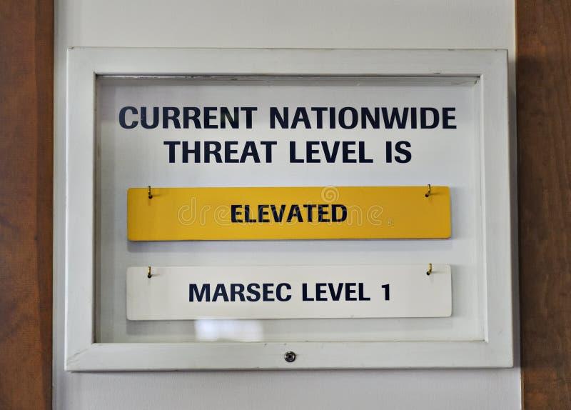 Colore giallo elevato livello di minaccia del terrorista degli Stati Uniti del segno immagini stock libere da diritti