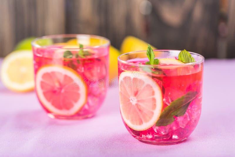 Download Colore rosa fotografia stock. Immagine di cocktail, fragola - 117981160