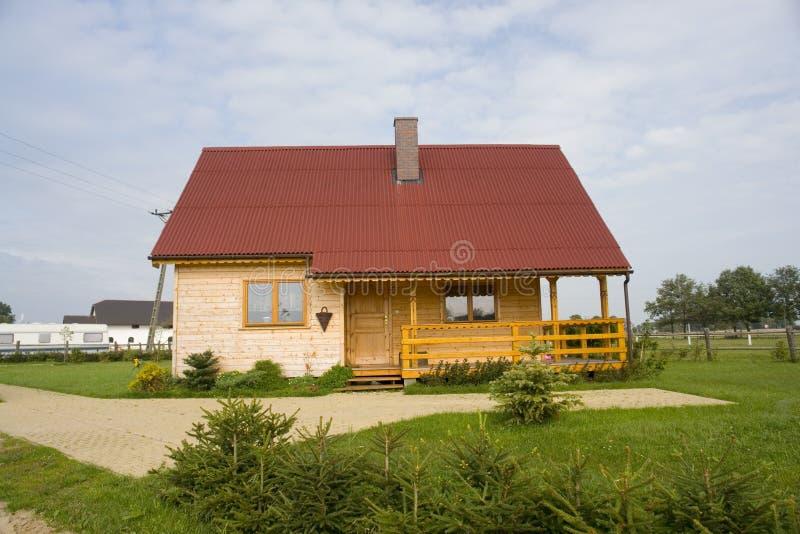 colore rosso della casa coperto immagine stock