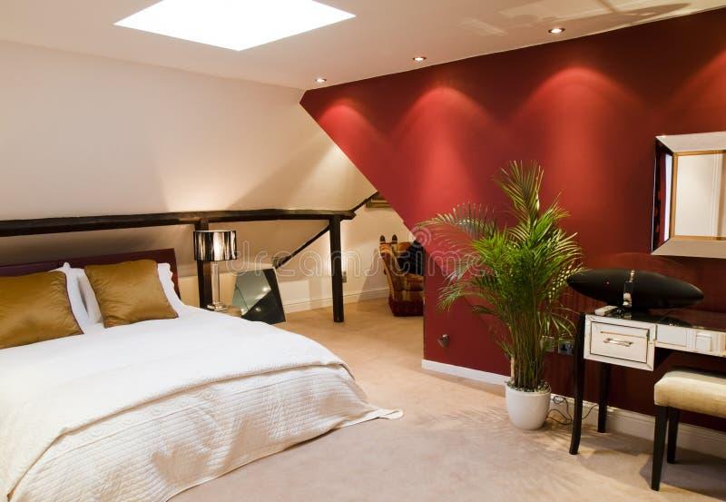 Colore rosso moderno della camera da letto immagine stock - Colore della camera da letto ...