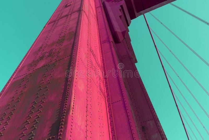 Colore vivo astratto della struttura della colonna di golden gate bridge immagine stock