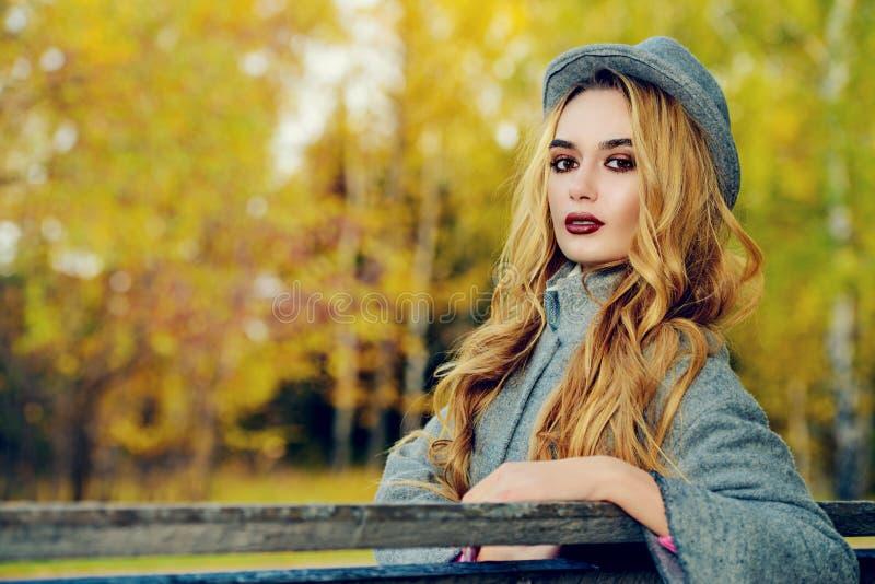 Colores brillantes del otoño imagen de archivo libre de regalías