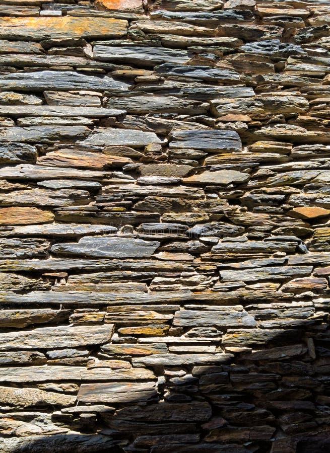 Colores calientes, pared de la roca fotografía de archivo