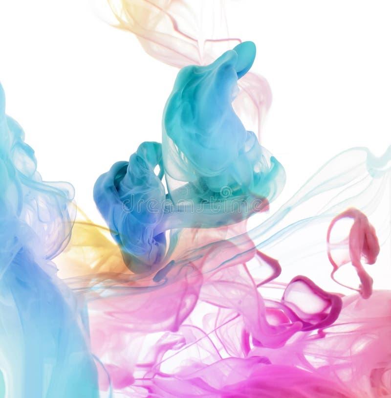 Colores de acrílico en agua. fotografía de archivo libre de regalías