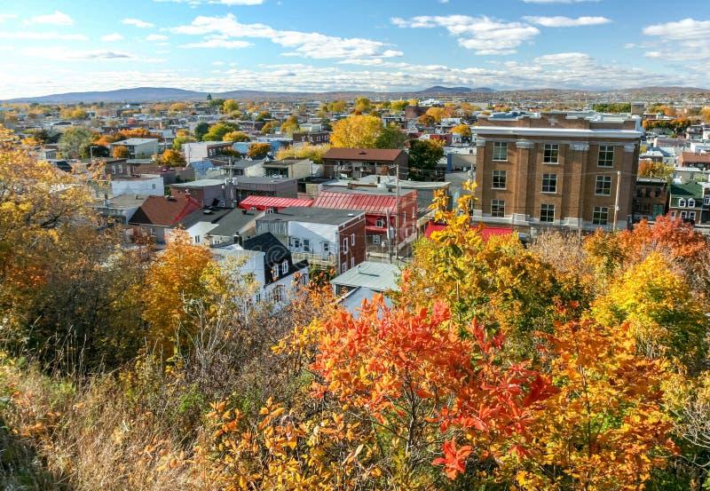 Colores de la caída en la ciudad de Quebec imagenes de archivo