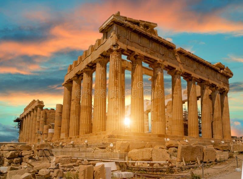Colores de la puesta del sol de Atenas Grecia del Parthenon