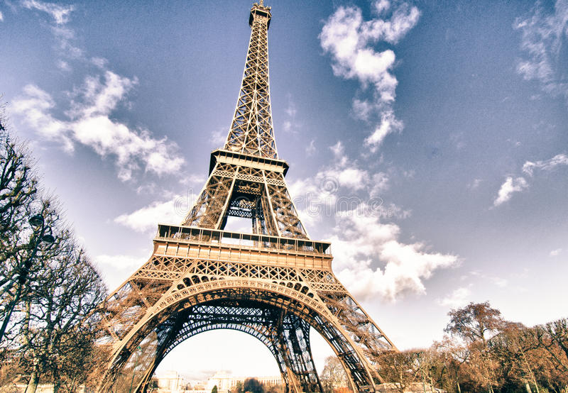 Colores de la torre Eiffel en invierno fotografía de archivo libre de regalías