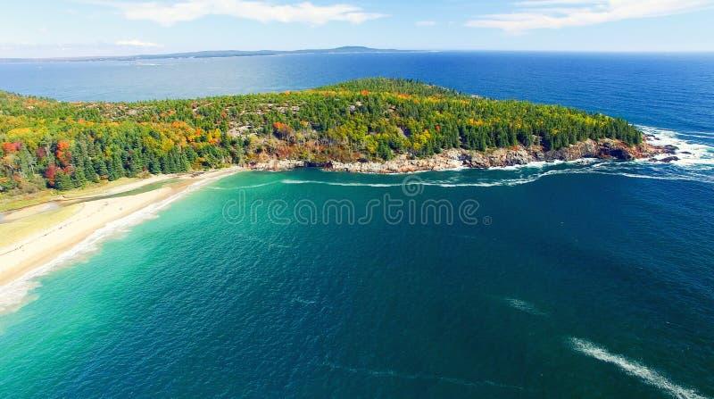 Colores hermosos de la caída del Acadia, Maine Visión aérea desde el helicop imagen de archivo