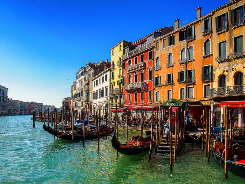 Colores venecianos en una mañana del invierno fotografía de archivo