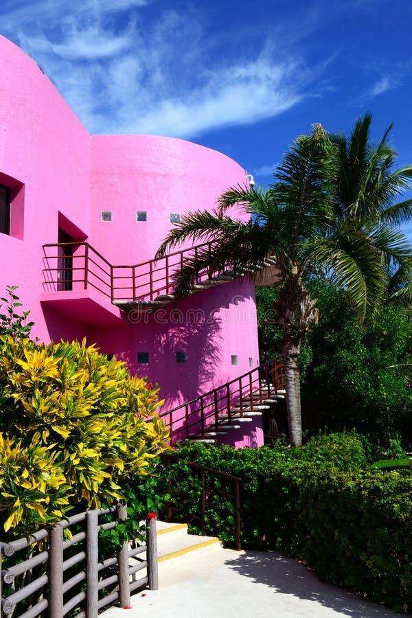 Colorful building in Cozumel, Mexiko royaltyfria bilder